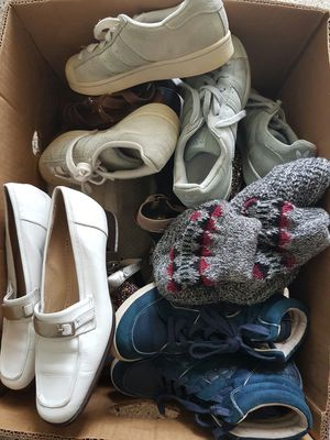 Free women shoes Mixed up sizes Must take all for Sale in Hollywood, FL