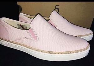Orignal Uggs size 6 women shoes brand New orignal price more than 150$ for Sale in Fairfax Station, VA