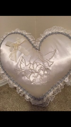 Two pillows Weddings new for Sale in Tulsa, OK