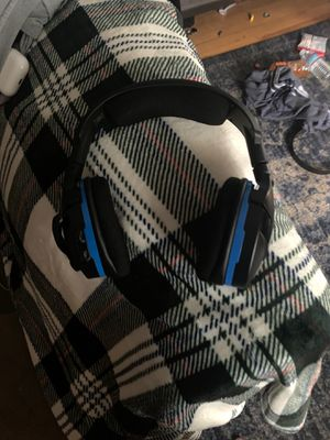 Turtle beach Bluetooth headphones for PS4 for Sale in Haverhill, MA