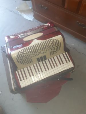 Vintage Rivoli special accordion for Sale in Modesto, CA