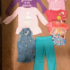 Girl Clothes. 4t for Sale in Reedley, CA