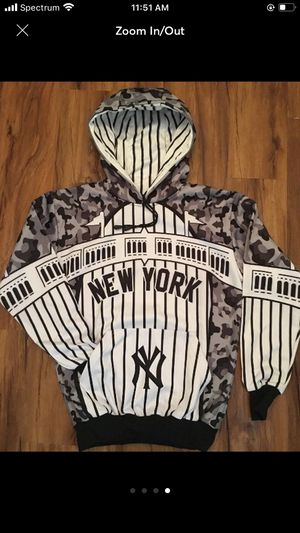 YANKEES Youth Hoody, NWT, Size YLG. SIC for Sale in Santa Ana, CA