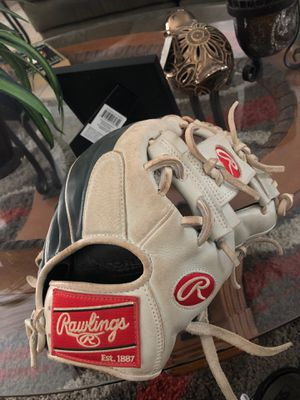 Rawlings Gamer XLE for Sale in Riverside, CA