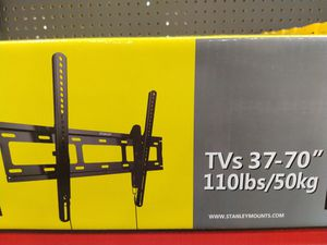 Tilt tv wall mount for Sale in Plano, TX