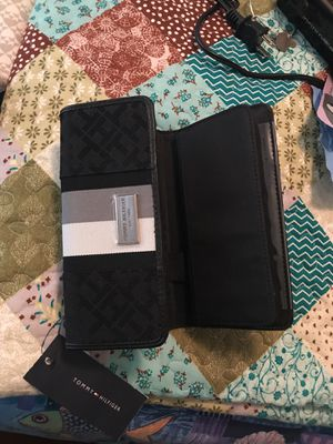 Tommy Hilfiger Wallet for Sale in Crimora, VA