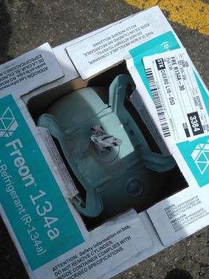 AC tank 30 lb of freon. R134 $180. {contact info removed} for Sale in Chicago, IL