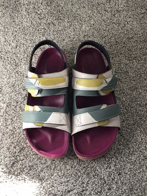 """Burberry """"Brand New"""" leather sandal, size 2 for Sale in Dallas, TX"""