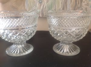 Set of 2 glass bowls with pedestal for Sale in Los Angeles, CA
