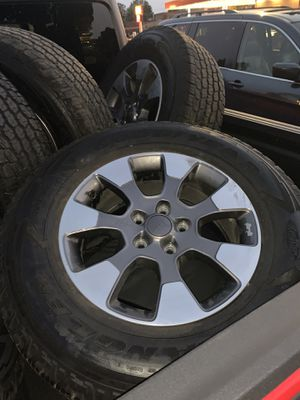 2018 jeep Sahara take off wheels and tires. Have all 5 of them. for Sale in Willow Springs, IL