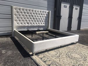 New KING size platform bed frame ivory velvet with tufted wingback headboard for Sale in Columbus, OH