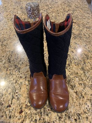 Tommy Hilfiger Girls Boots size 1 for Sale in El Paso, TX