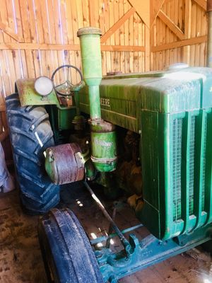 Antique John Deer 🚜 Tractor! for Sale in Henderson, NV