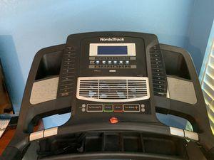 NordicTrack Elite 3700 treadmill for Sale in Treasure Island, FL