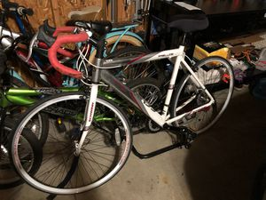 Mens Prelude Bicycle BBWhite by Schwinn. for Sale in Chicago, IL