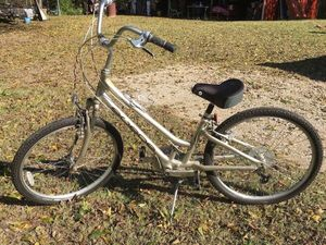 Giant Lifestyle Comfort Hybrid Bike for Sale in Wylie, TX
