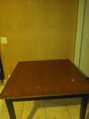 Kitchen table make me an offer for Sale in Corcoran, CA