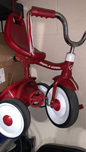 Radio flyer folding toddler tricycle for Sale in Riverview, FL