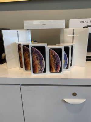 BOGO on IPhone XS! for Sale in Golden, CO