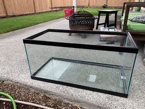 40 gallons fish aquarium tank from petco for Sale in Woodinville, WA