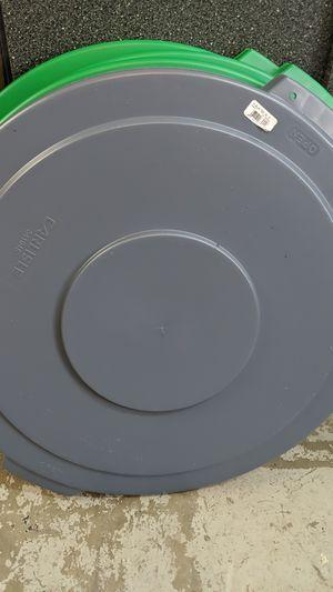 44 gal commercial food grade trash can lid for Sale in Belleair, FL