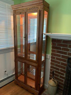 Curio cabinet for Sale in Fairfax, VA