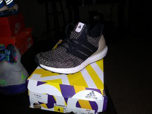 Adidas ultra boost size 4 for Sale in Boston, MA