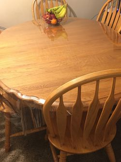 Dinner Table Adjustable 6 Chairs for Sale in Sterling Heights,  MI