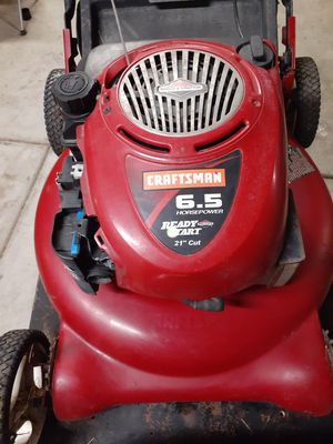 Not selling i buy not running lawn mowers $20 for Sale in Dinuba, CA