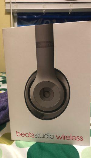 Beats studio 2 wireless titanium perfect condition. for Sale in Orlando, FL
