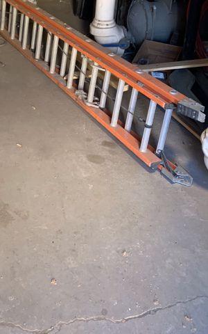 32 feet extension ladder for Sale in Phoenix, AZ