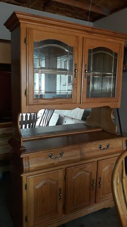 Oak kitchen table with 5 chairs and hutch for Sale in East Moline,  IL