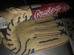 Rawlings glove for Sale in Lakewood, CA