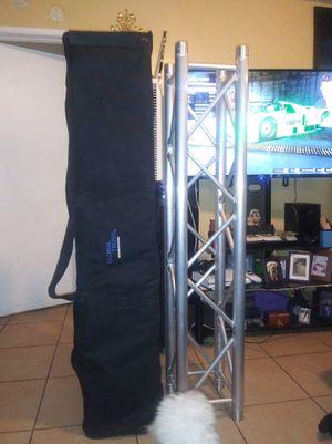 Par de global truss 5.5ft con sus covers for Sale in Santa Ana, CA