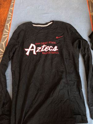 Men's large Nike Aztec shirt for Sale in San Diego, CA
