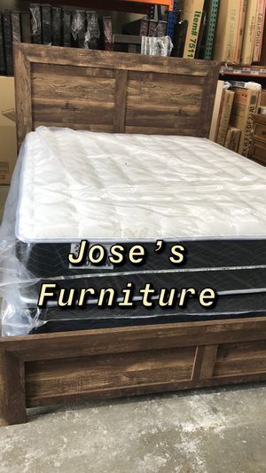 QUEEN SIZE BED (MATTRESS INCLUDED) for Sale in Long Beach, CA