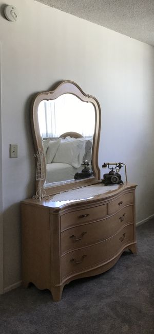 Vintage Dresser with Mirror for Sale in Los Angeles, CA