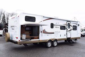 2012 Rockwood Ultra Lite 8317RKSS 33FT for Sale in Waldorf, MD