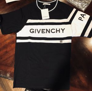 Givenchy t shirt for Sale in Red Oak, TX