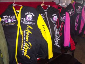 6 Brand New Hoodie Jackets 2 Pink XL 2 Red XL, 1 Yellow,1 Gray XL for Sale in Denver, CO