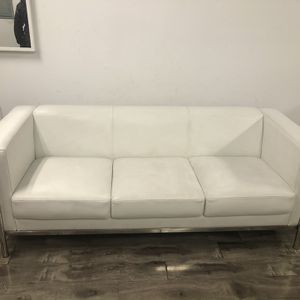 Beautiful White Leather Couch for Sale in La Habra Heights, CA