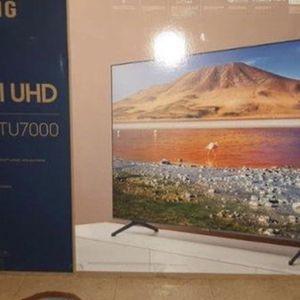 Brand new 2020 65 inch Samsung 4K Crystal UHD Smart tv for Sale in Las Vegas, NV