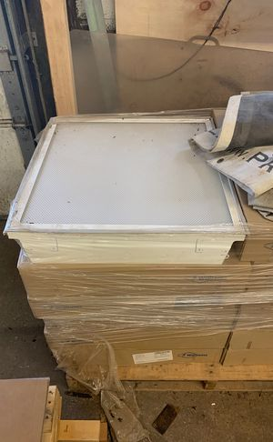 12 brand new 2' x 2' drop ceiling lights for Sale in GLOUCSTR CITY, NJ