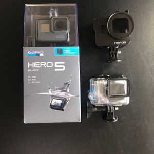 GoPro HERO 5 with REMO Remote - Mint Condition !! for Sale in Frisco, TX