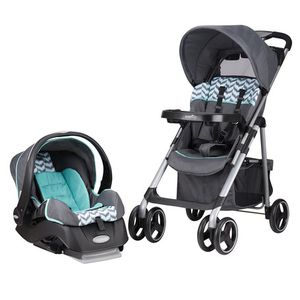 Evenflo - Car seat/Stroller combo for Sale in Spanaway, WA