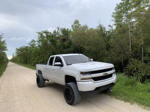 2018 Chevy 1500 for Sale in Miami, FL