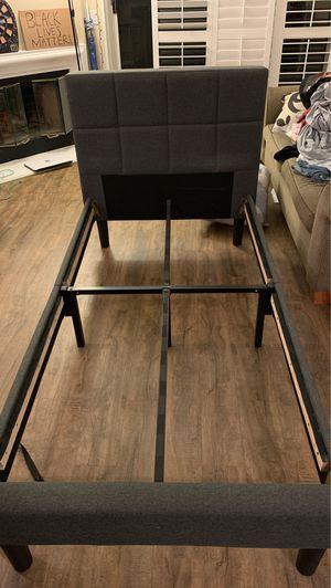 twin bed frame - no slats for Sale in La Jolla, CA