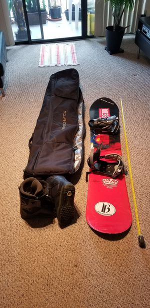 Snowboard, Boots and carrying bag. for Sale in Coral Springs, FL