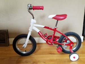 """Radio Flyer 12"""" Kids Bike W/ Training Wheels for Sale in Seattle, WA"""