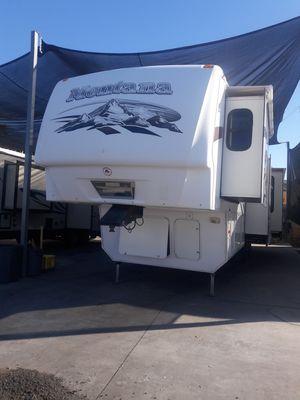 2009 Keystone RV Montana Hickory, residential fridge , W/D in unit!!! for Sale in Mesa, AZ
